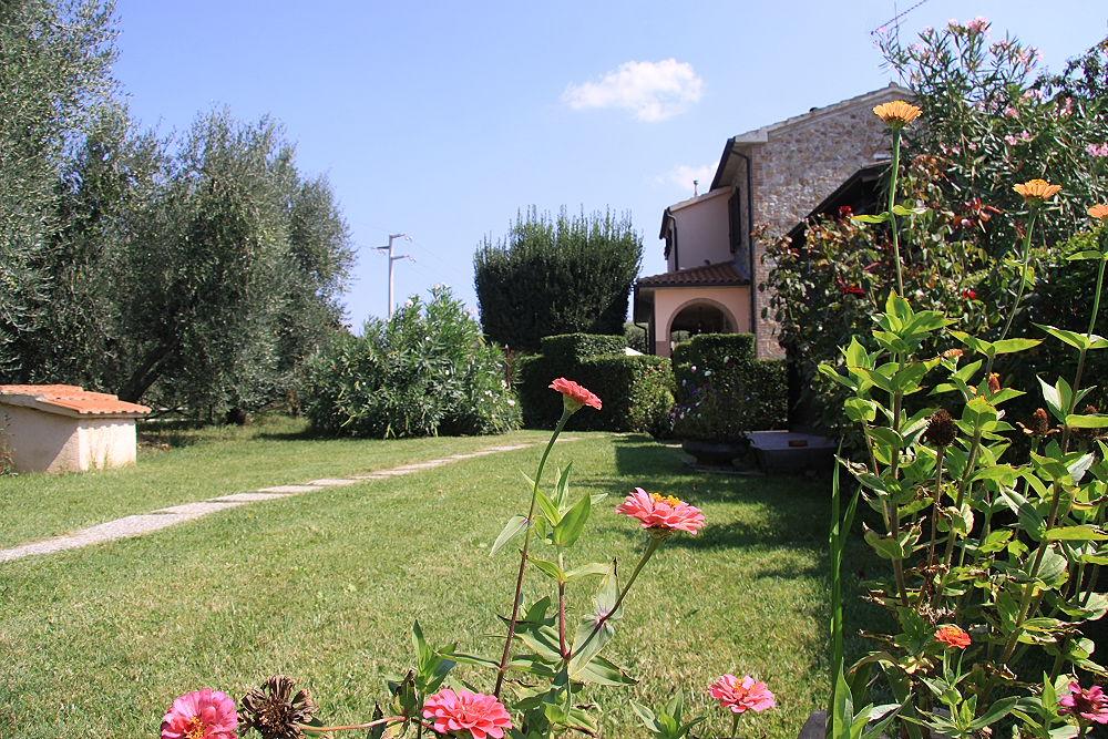 Area verde Casa Vacanze Ribocchi
